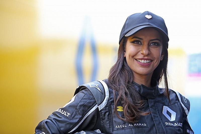 أسيل الحمد ستقود سيارة فورمولا واحد قبل انطلاق سباق فرنسا