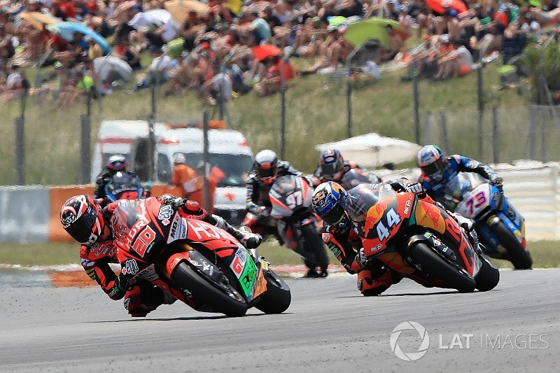 Barcelona Moto2: Quartararo leads Oliveira for maiden win