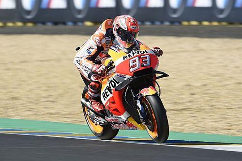 Warm-up - Márquez avec le pneu dur; Zarco au sol