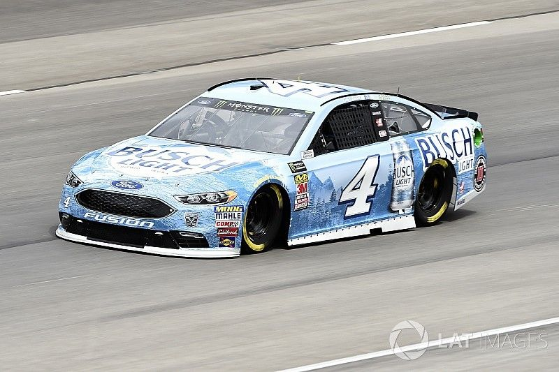 Harvick dominates first stage at Texas; Truex's race ends early