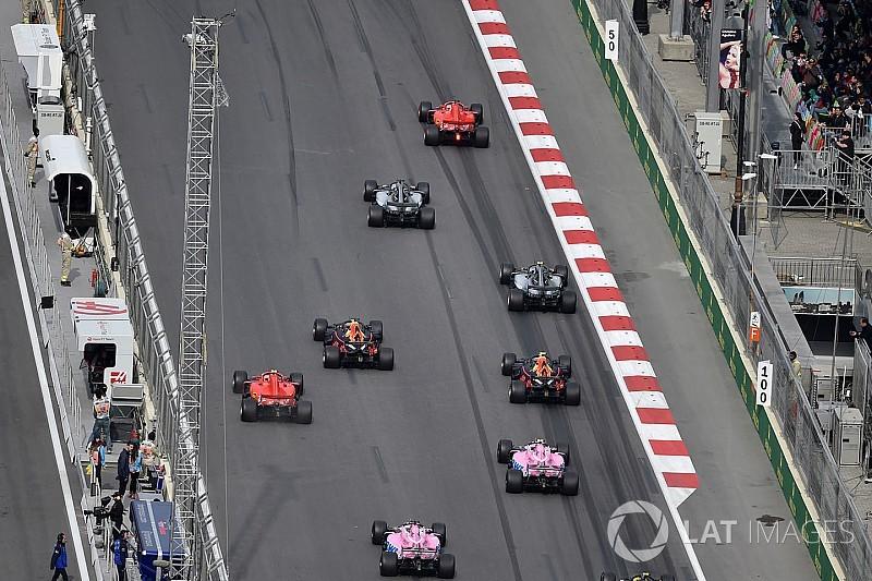 Hamilton llegó a lo más alto del torneo y Ferrari desplazó a Mercedes