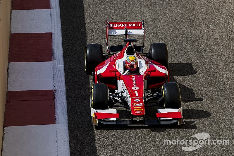Abu Dhabi F2: Leclerc passes Albon on final lap to win
