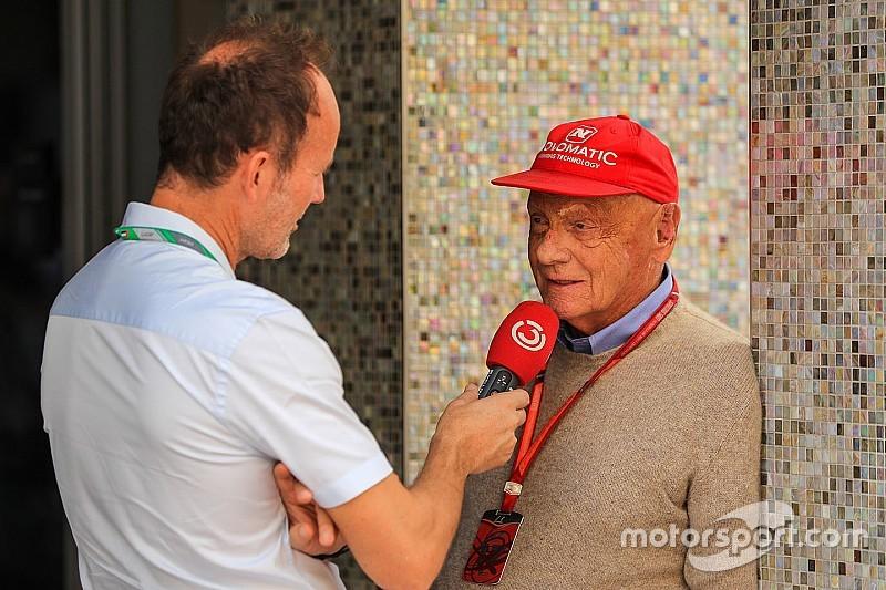 Lauda teljes mértékben a tudatánál van és már tud mozogni is