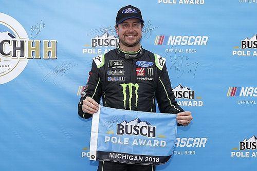 Kurt Busch takes Michigan pole over Brad Keselowski