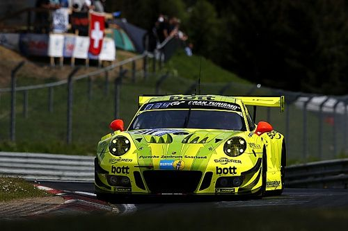 Nurburgring 24h: Vanthoor grabs pole for Porsche