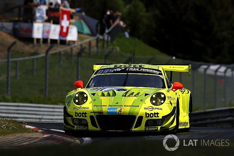 Nürburgring 24: Porsche ile Vanthoor pole'de, Emir Aşarı klasmanında üçüncü