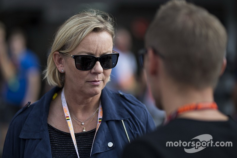 Így lett Sabine Kehm Schumacher bizalmasa