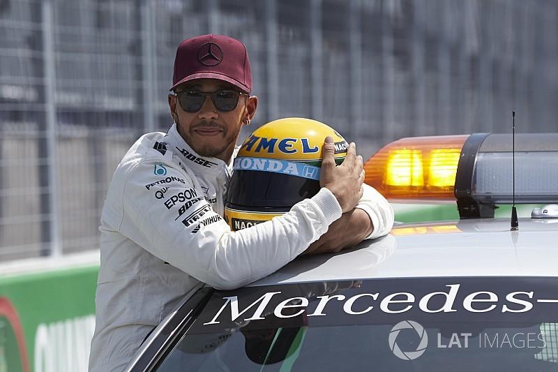 Samai pencapaian sang legenda, Hamilton dihadiahi helm asli Senna