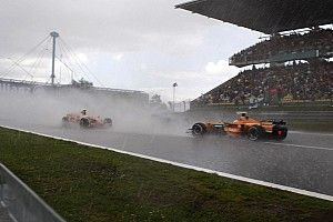 "Nurburgring weather could throw up ""crazy"" race - Ricciardo"