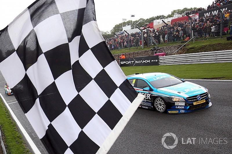 Brands Hatch BTCC: Moffat wins, Sutton stretches points lead