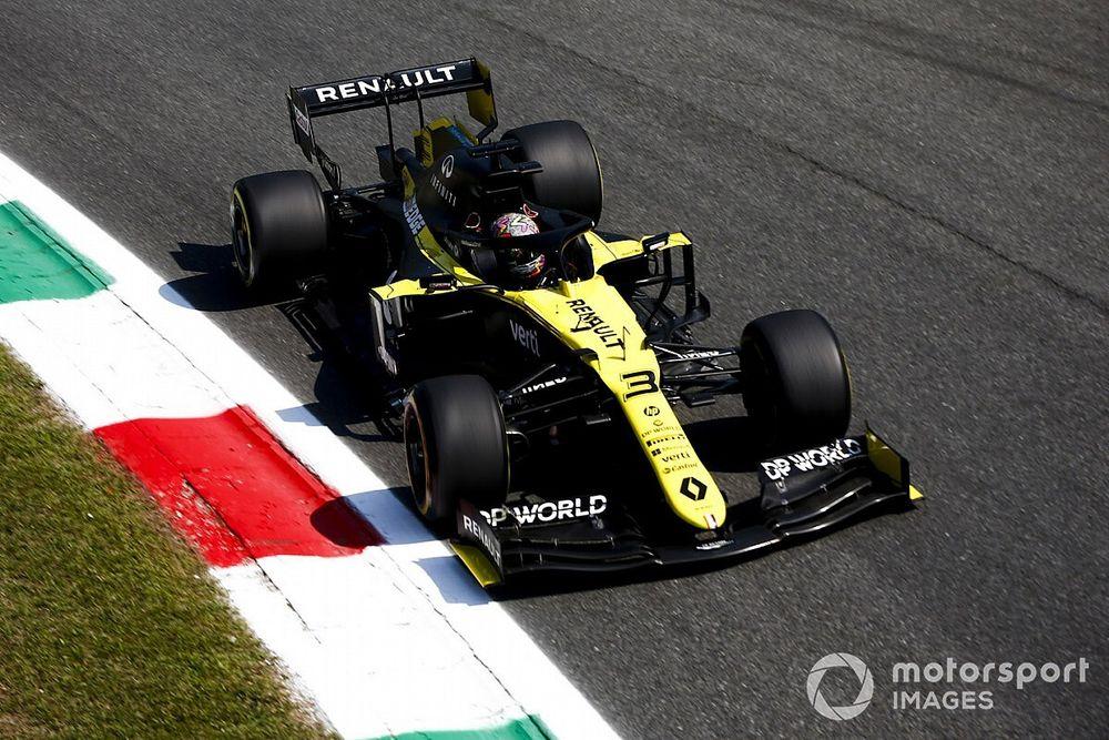 """Ricciardo: """"Estou muito feliz por andar com um F1 moderno em Mugello"""""""