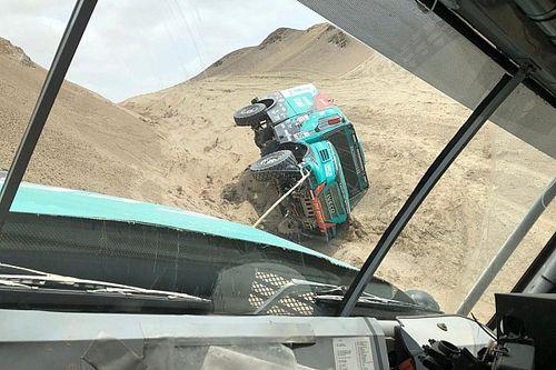Dakar 2019: Villagra si rovescia in un Canyon e De Rooy paga un surriscaldamento