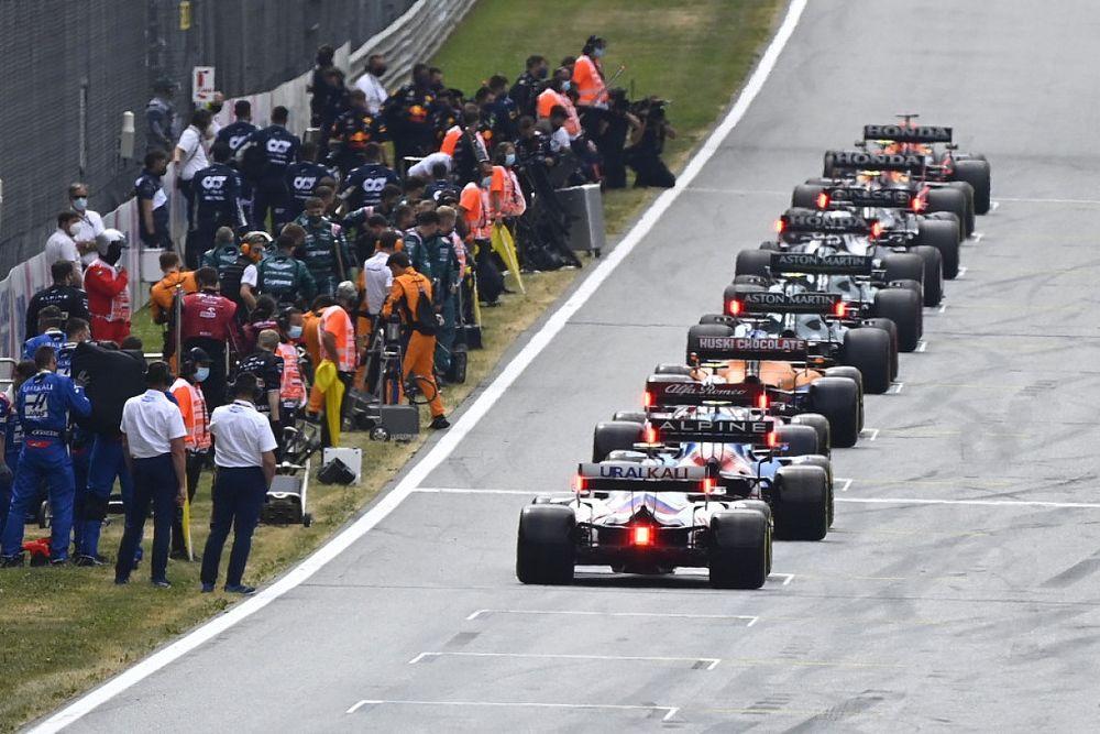 Перес ниже Мазепина: стартовая решетка Гран При Великобритании