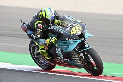 MotoGP-coureurs lovend over nieuwe asfalt op TT Circuit Assen