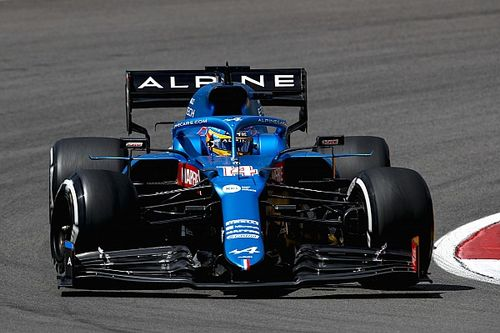 """Alonso a top 10-ben, Leclerc """"ráesett"""" Hamiltonra az F1 erősorrendjében"""