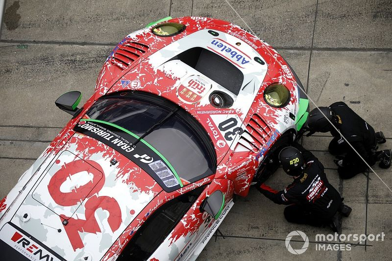 24h di Spa: Frikadelli ritira le Porsche dopo l'alluvione