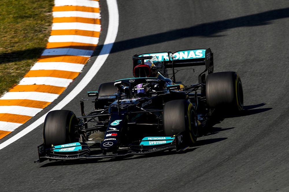 Hamilton: mindent beleadtam, de ma gyorsabb volt a Red Bull