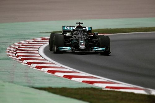 Experimental Mercedes front wing hints at final F1 update push