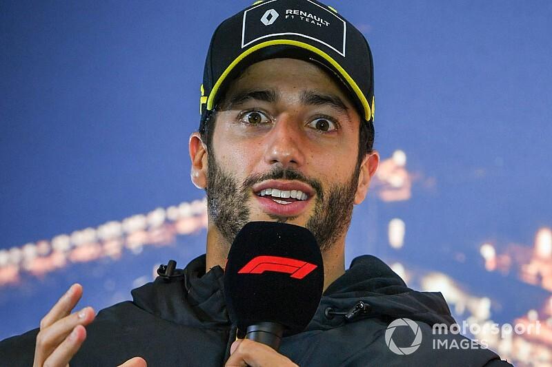 Ricciardo szerint a Mercedes a kanyarokban sokkal gyorsabb