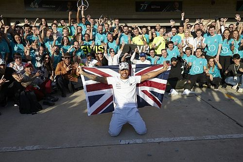 Alonso gratulował Hamiltonowi