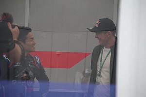 """ニック・キャシディ、FP1直前に""""最大のライバル""""山本尚貴を激励"""