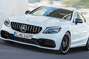 Továbbra is a fehér a legnépszerűbb autószín a világon