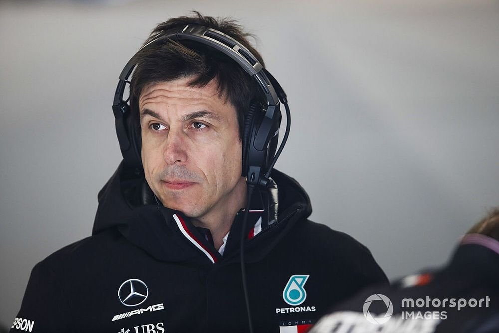 """Wolff: """"Non facciamo come la Ferrari, dobbiamo essere prudenti"""""""