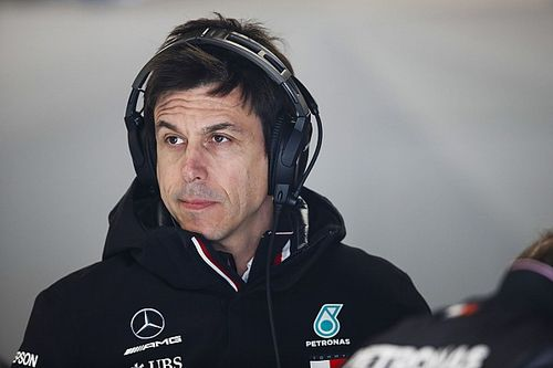 Mercedes ve más fuerte a Red Bull sobre Ferrari
