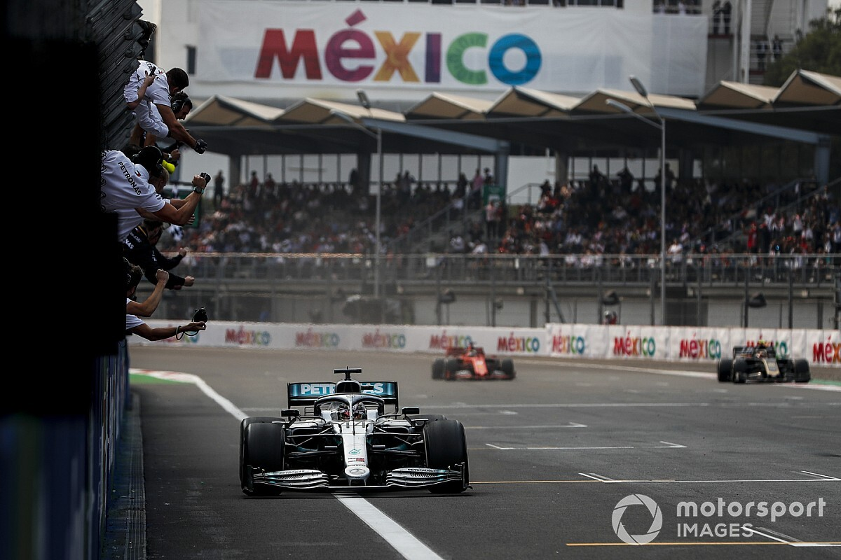 "Mercedes made ""the right gamble"" to win Mexican GP - Binotto"