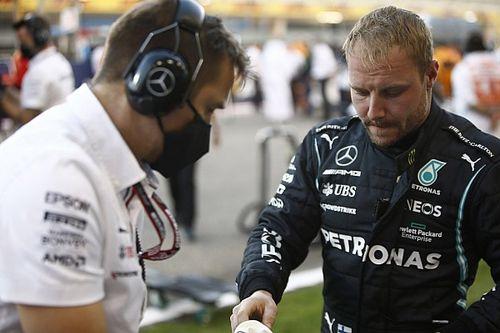 """Bottas se diz surpreso por """"estratégia de defesa"""" da Mercedes: """"Isso não é normal"""""""