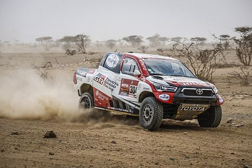 Dakar: Etap 1, pustynne drogi