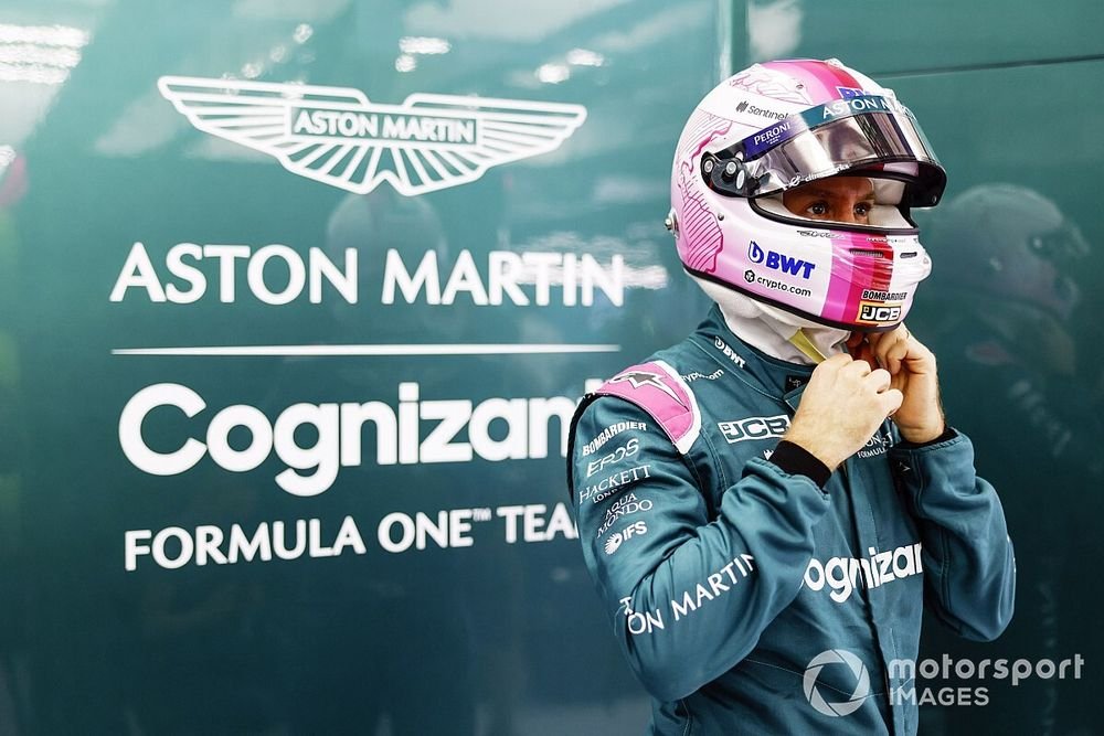 Vettel heeft geen moeite met overstap naar roze helm