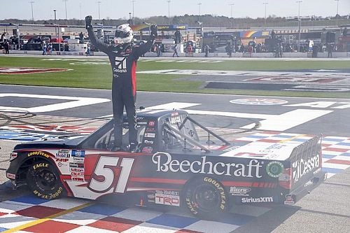 Kyle Busch dominant in NASCAR Truck win at Atlanta