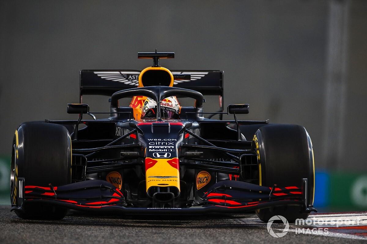 """Verstappen: """"Le Mercedes sembrano molto forti"""""""