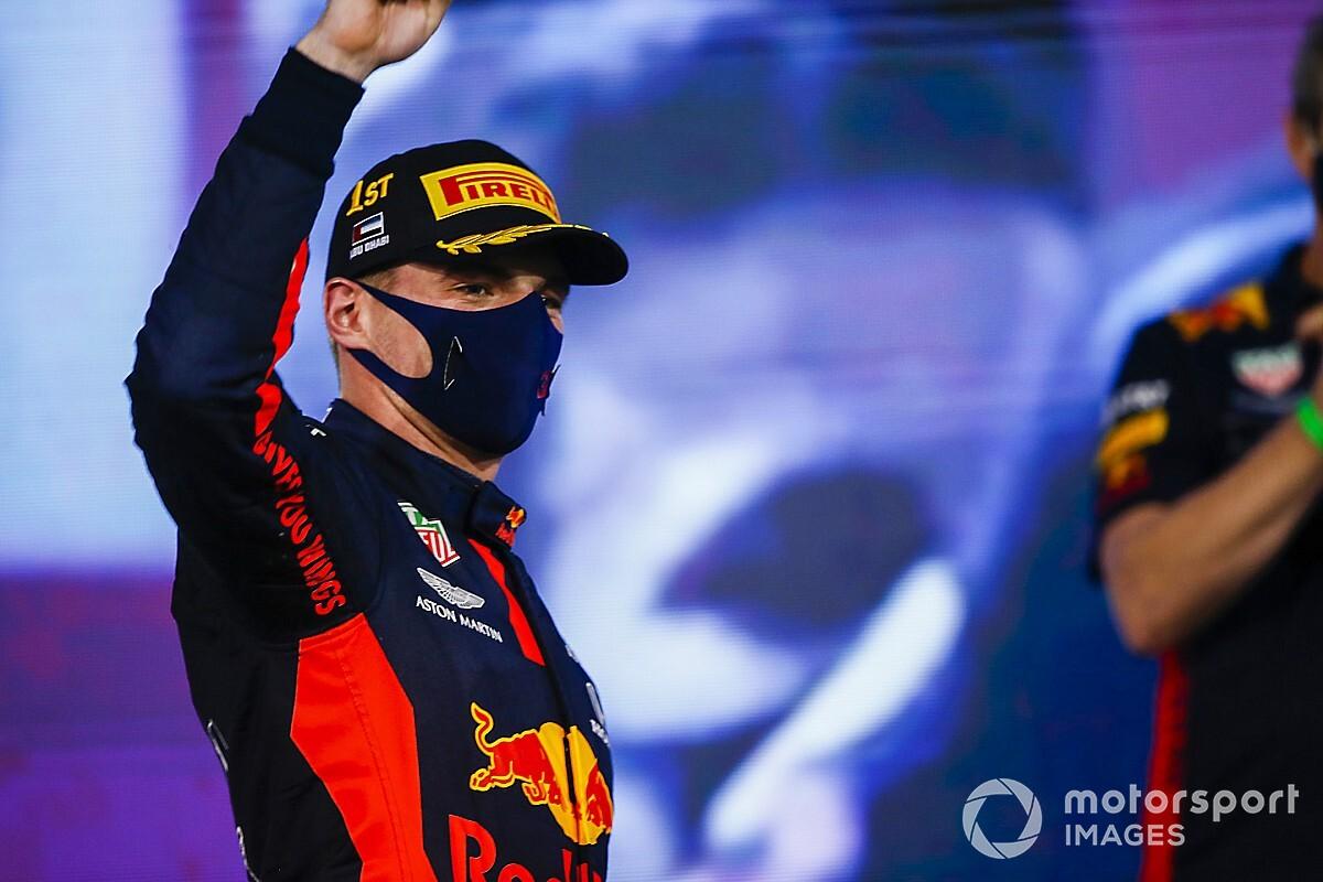 """Verstappen, Perez'i """"yok etmeyi"""" hedefliyor"""