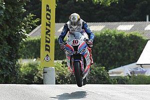 Isle of Man TT: Hickman wins red-flagged Superbike opener