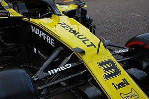 Renault: sono comparse due alette sul vanity panel della R.S.19