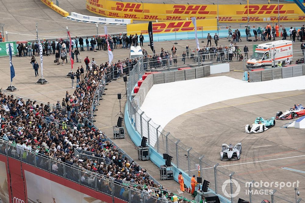 Formula E extends its series suspension through June