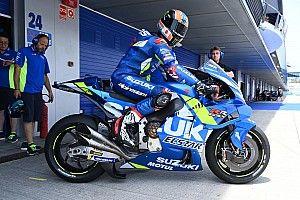 Rins destrozó el nuevo deflector de Suzuki en su primera salida