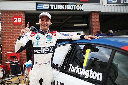 Oulton Park BTCC: Turkington pips Tordoff to pole by 0.027s
