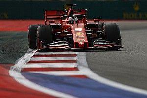 Vettel araçta tamamen mutlu değil