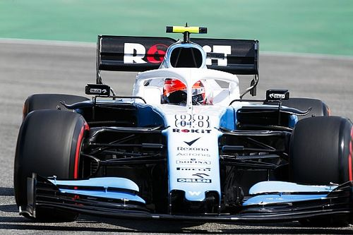 "Kubica hampered by ""fragile"" Williams losing parts"