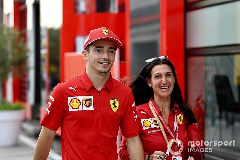 Leclerc: Mindig különleges érzés, amikor felveszem a Ferrari szerelését