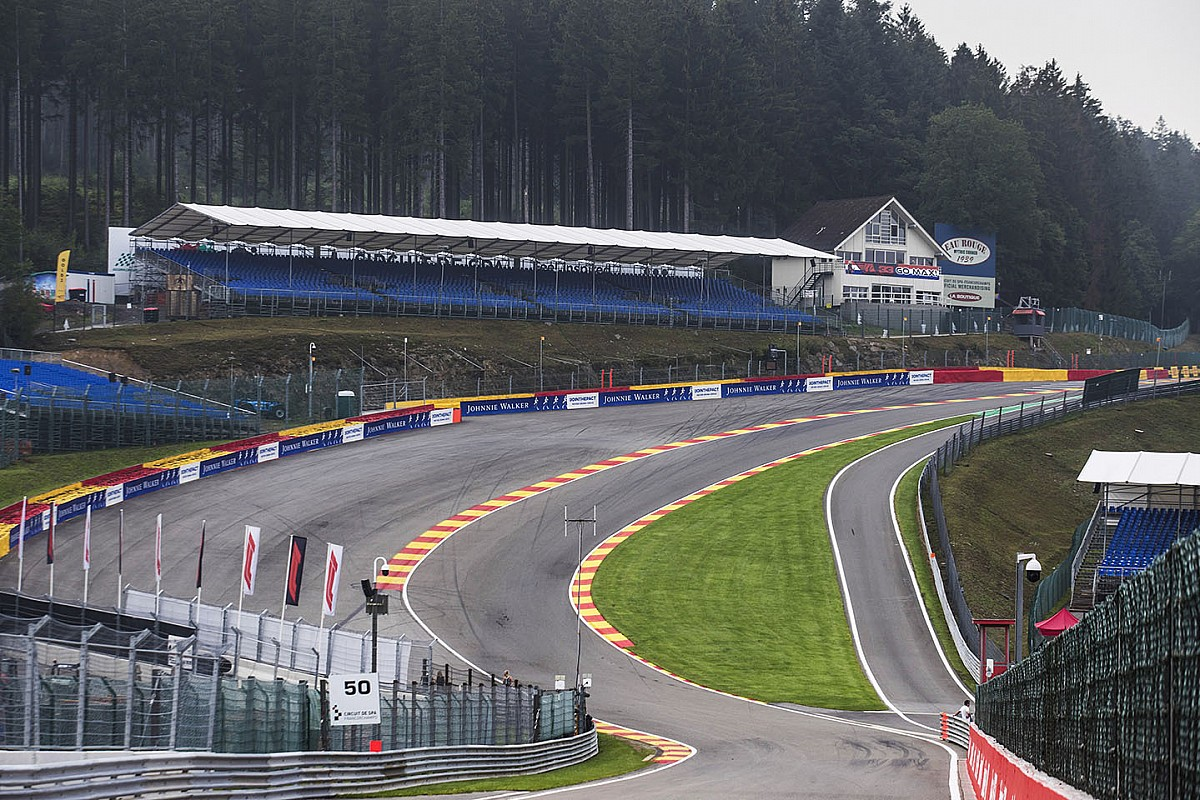 F1 drivers warned over corner-cutting at Raidillon