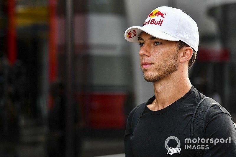 Риккардо назвал справедливым решение Red Bull заменить Гасли