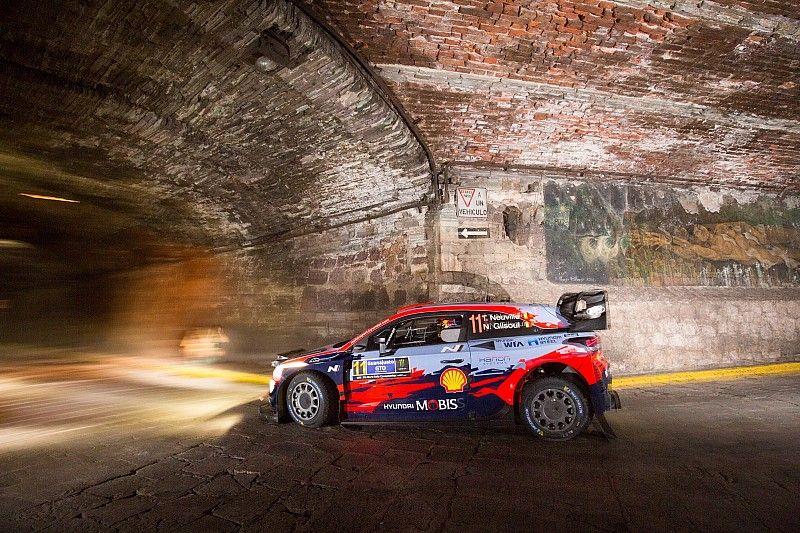 WRC, Rally Messico, PS1-2: Neuville primo leader della gara