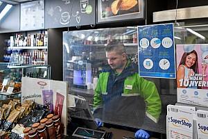 Több hazai benzinkúton is 300 forint alá csökkent a 95-ös benzin literenkénti ára