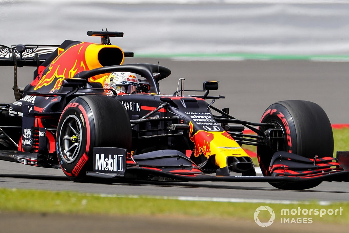 """Horner deelt visie van Verstappen: """"Mercedes kan nog sneller"""""""