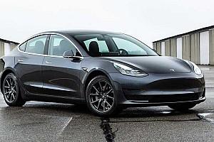 """Júniusban mutatják be a Tesla """"millió mérföldes"""" akkumulátorát"""