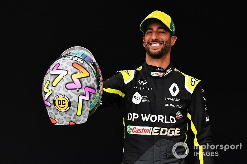 F1: Daniel Ricciardo sfoggia un nuovo casco per Melbourne